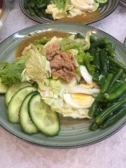 Салат з тунцем та спаржею